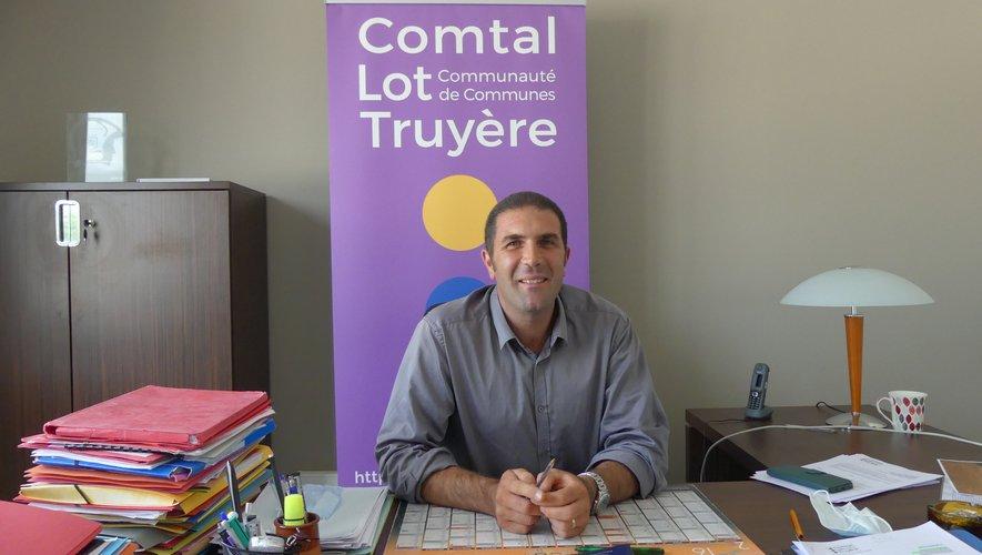 Nicolas Bessière et le nouveau président de la communauté de communes.