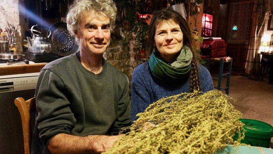 Avec son compagnon, Pascal,Coralie Roussel est agricultrice à Vabres-l'Abbaye.