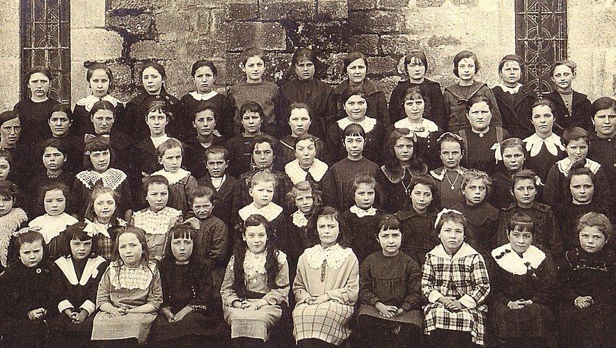 L'école des filles qui apprenaient notamment l'enseignement ménager.