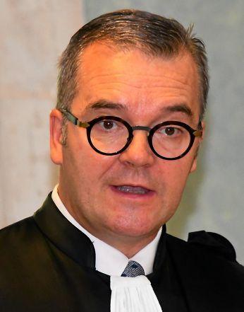Olivier Naboulet, procureur de la République auprès du tribunal de Rodez, assurera le rôle d'avocat général lors des débats.