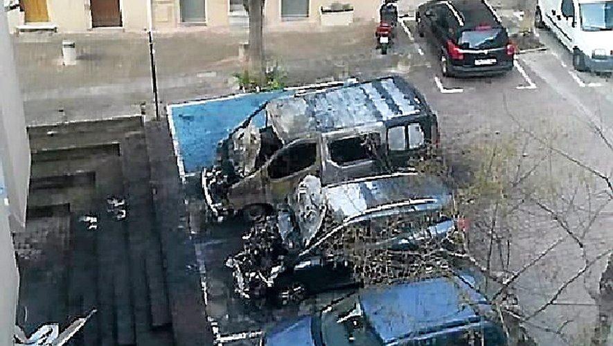 Millau Quatre véhicules incendiés, une enquête a été ouverte