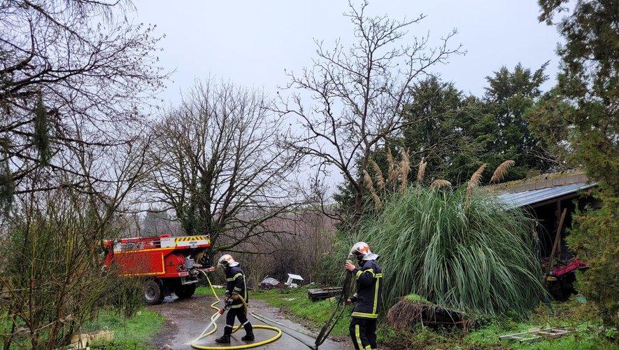 Les sapeurs-pompiers de Capdenac et du Bassin sont intervenus pour se rendre maîtres du sinistre.