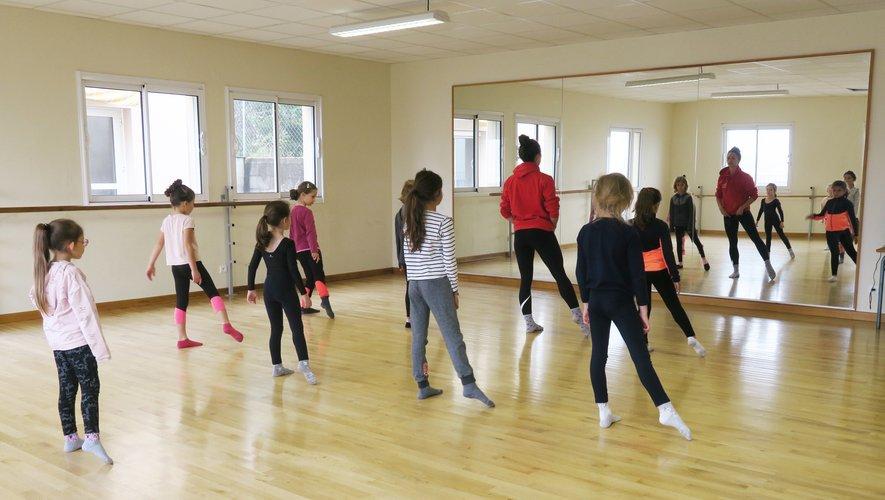 Les cours de danse pour les jeunes ont repris avec le Lac des Cygnes.