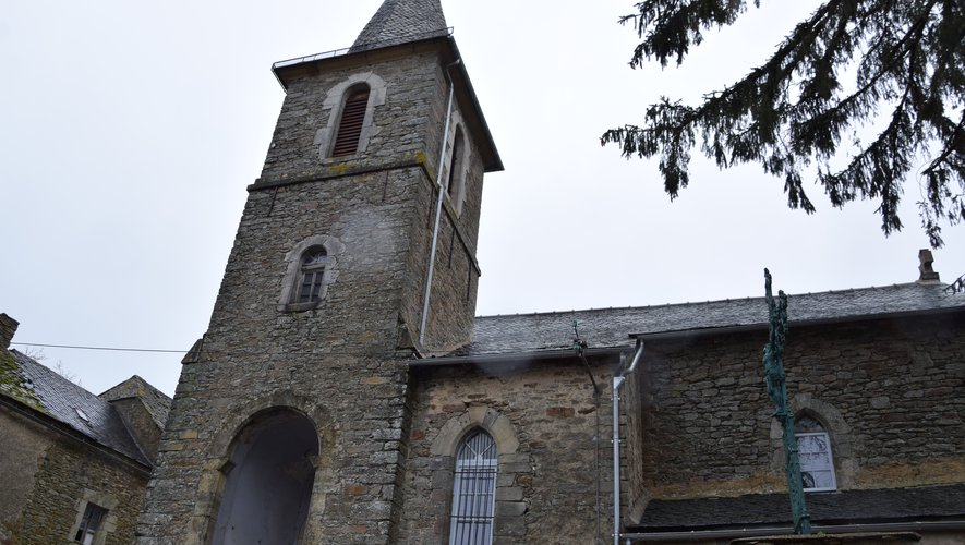 La construction de l'église de Fenayrols a débutéau XIIIe siècle. Depuis quelques années, une association a vu le jour pour sa sauvegarde.