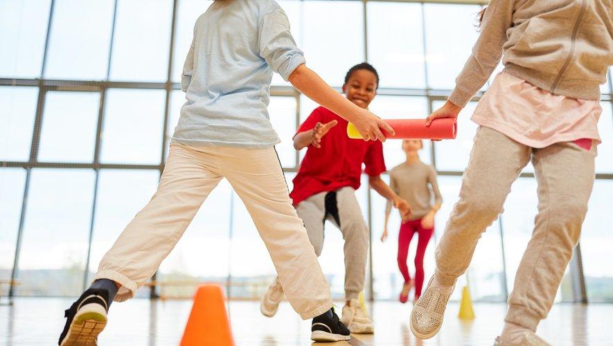 Au nombre de quatre, les récréations de quinze minutes favoriseraient une meilleure concentration lors des périodes d'apprentissages.