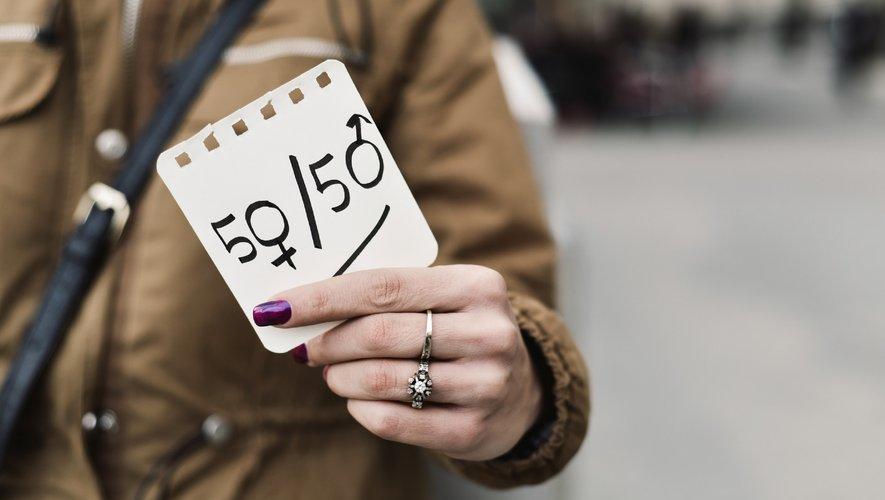Selon l'étude, les préjugés sexistes à l'embauche seraient passés de 4%  à 1% (ou peut-être moins) en l'espace de dix ans.
