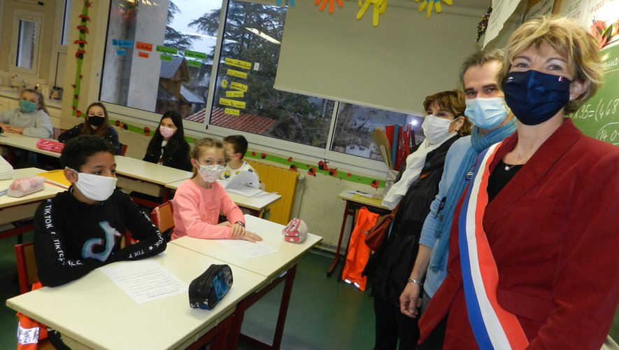 À l'école de la Chartreuse, dans la classe de Laurent Boudet (en haut) ; à l'école Robert Fabre, dans la classe d'Amandine Rey (ci-dessus).