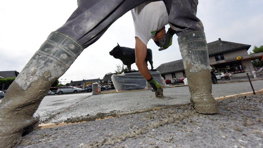 Les ouvriers qui travaillent à l'extérieur, par tous les temps, pourront trouver à s'abriter pour le déjeuner.