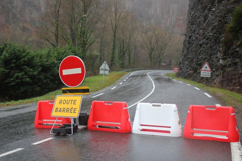 La RD 840 a été coupée à la circulation à Laroque-Bouillac à Livinhac-le-Haut
