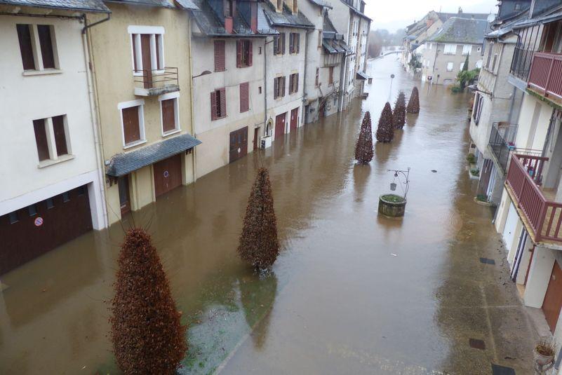 A Espalion, le quartier du moulin est aussi touché.
