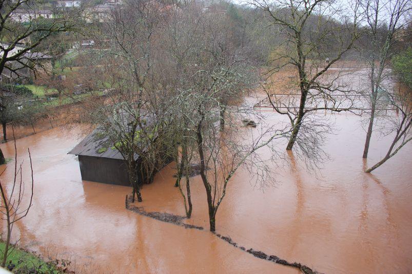 Les jardins du quartier Saint-Michel sont inondés.