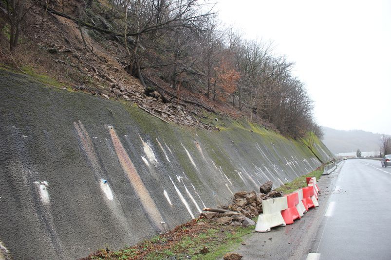 Un éboulement s'est produit sur la RD 840 entre Viviez et Boisse-Penchot. Un périmètre de sécurité a été installé.