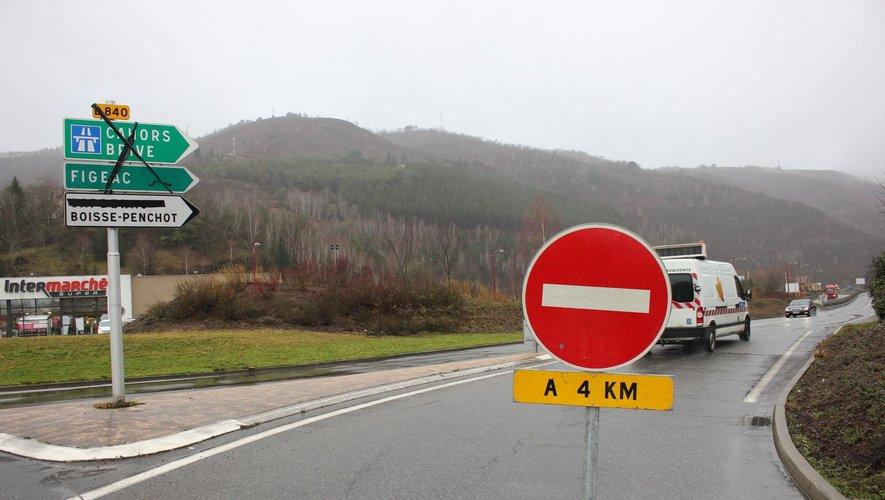 De nombreuses routes encore coupées lundi soir