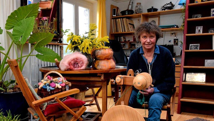 Laurence Vidal-Mériot dans sa maison atelier du Grand-Mas.Photos J.B.