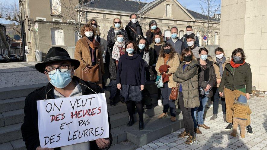 Robert Marcos, ses collègues et les parents débutent leur mobilisation.
