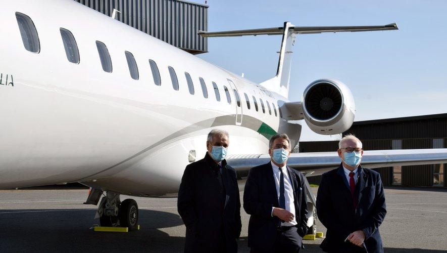 Alain Regourd, PDG d'Amelia, Jean-François Galliard, président du conseil départemental, et Christian Tieulié, président de la Sem Air 12.