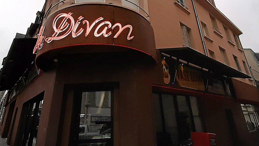 Le Divan, mythique enseigne de la ville.
