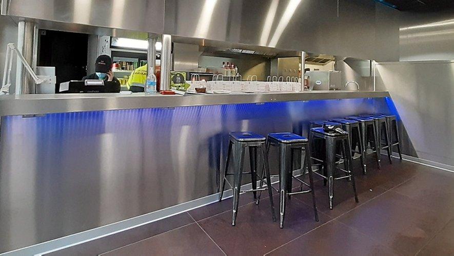 Le Divan, l'inoxydable bar-restaurant de la rue Béteille