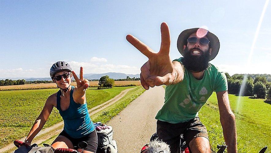 Le couple a parcouru 16200 km à vélo.