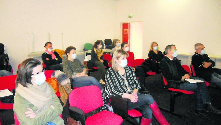 Les sociétaires de Vil'Com'Art en assemblée générale./ Photo LL
