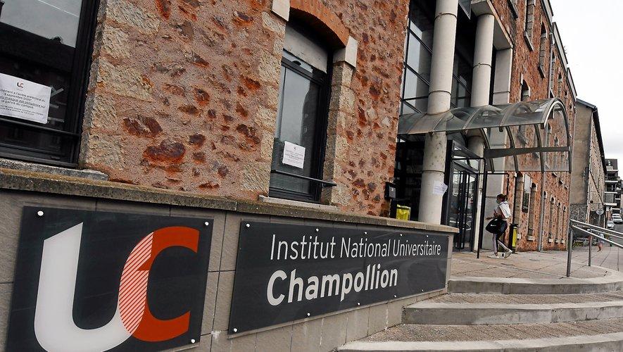 L'université Champollion de Rodez a une formationStaps avec plusieurs options.