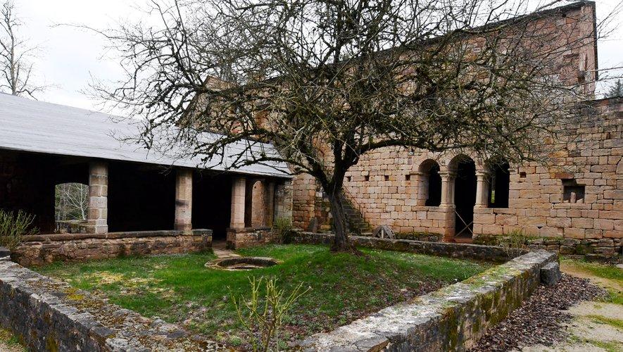 Le prieuré du Sauvage,  un ermitage dans la forêt