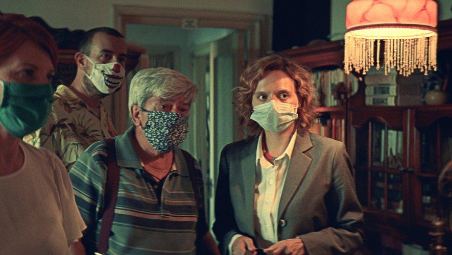 """Dans """"Bad luck banging or loony porn"""", fiction tournée en pleine pandémie, le réalisateur Radu Jude intègre la contrainte des mesures sanitaires."""