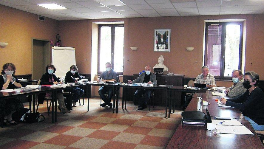Les élus des deux cités voisines au travail en mairie de Cransac.