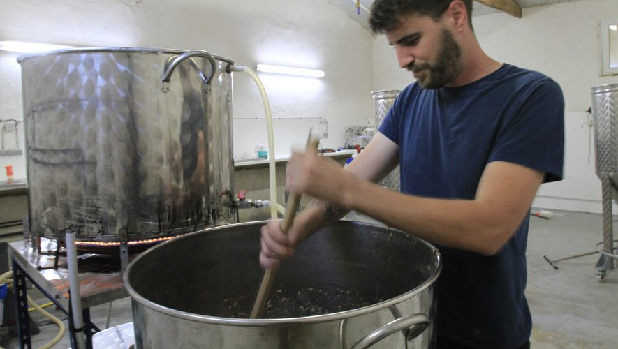 """Parmi les nombreuses productions, on retrouve la bière """"La Rousse"""" produite par Lucas Marty à Arcanhac."""