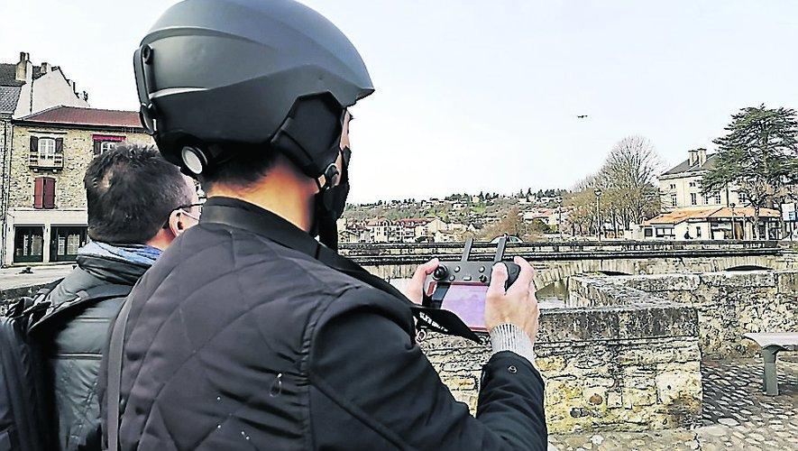 Quang Nguyen, télépilote de drone, a été accompagné de Patrick Pezet pour tourner des images de la ville.