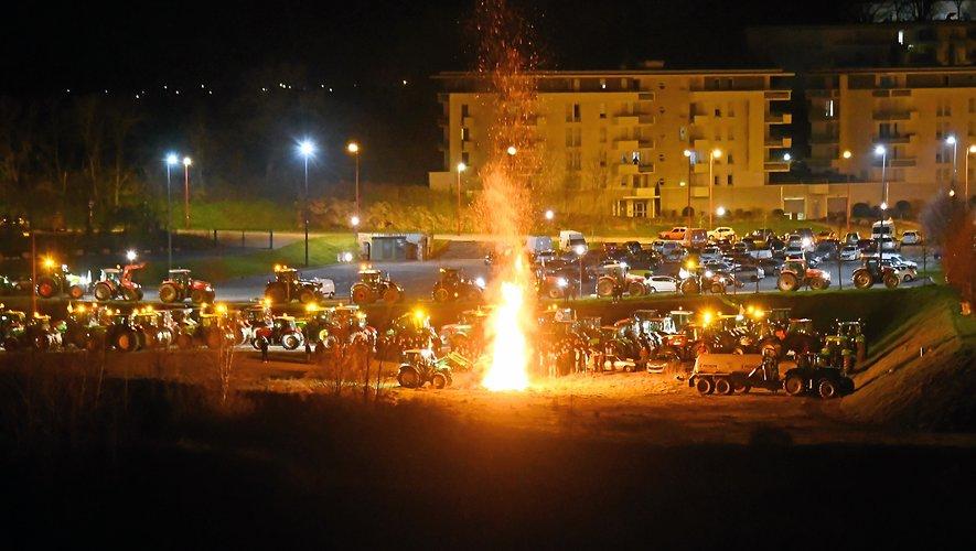 La FDSEA a manifesté à Rodez, mais aussi à Villefranche, Millau et Laguiole mardi soir.