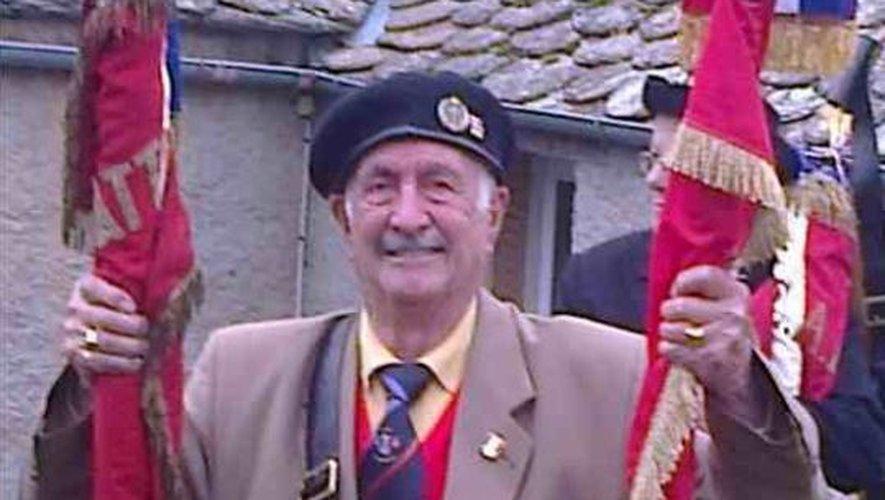 Né dans le Nord, il était installé à Onet-le-Château depuis 1976.