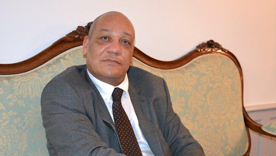 À 51 ans, père d'un fils de 28 ans, il s'agit de son premier poste de sous-préfet.