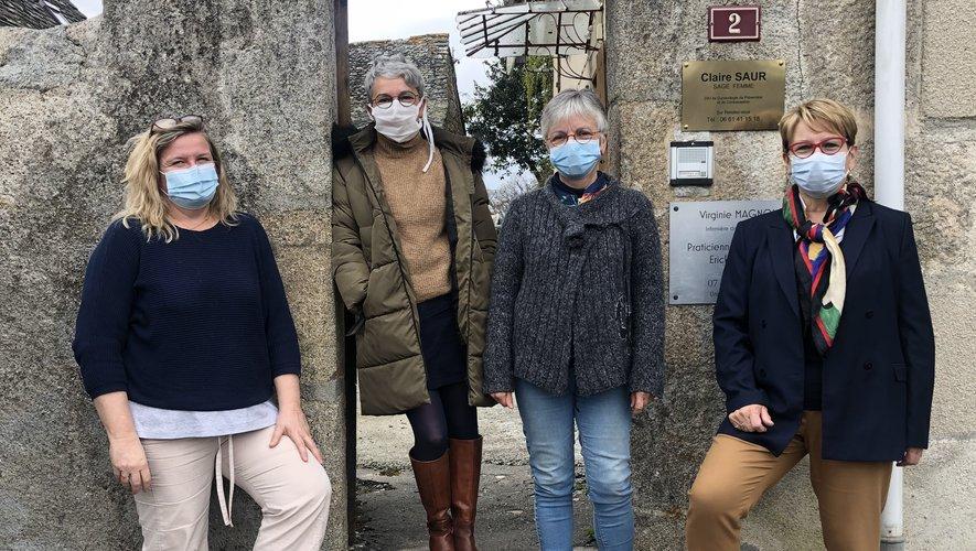Gaëlle Ollivier, la coordonnatrice, et Christiane Trézières, la gérante, encadrent les infirmières Manuella Bonneaud et Colette Sahuc./Photo MCB.