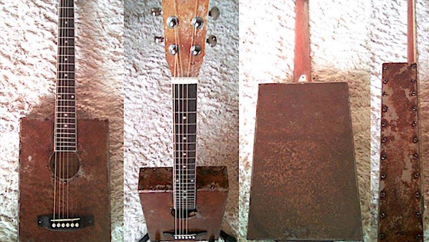 La guitare blues lui prête vie, Hugo donne vie à des guitares