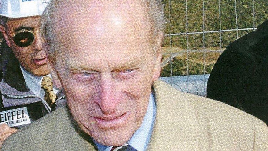 Le duc d'Edimbourg en visite sur le chantier du Viaduc.