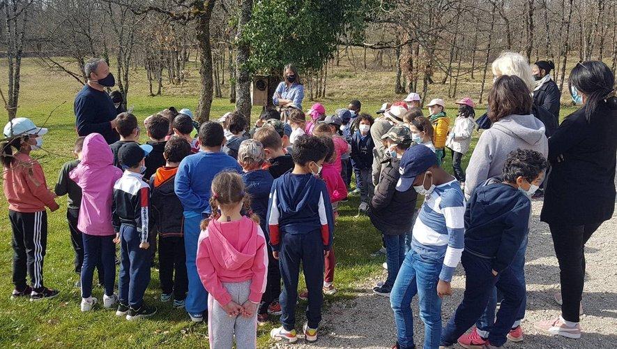 Les élèves en visite à la Gachoune.