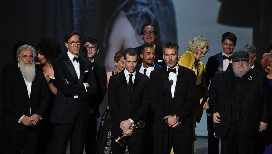 Certains spécialistes mettent en avant le talent narratif de George R.R. Martin, et les prouesses visuelles des créateurs de la série, Dan Weiss et David Benioff.
