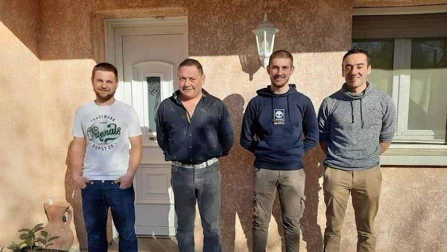De G à D : Julien et Gilles les patrons, Antony et Loïc les ouvriers
