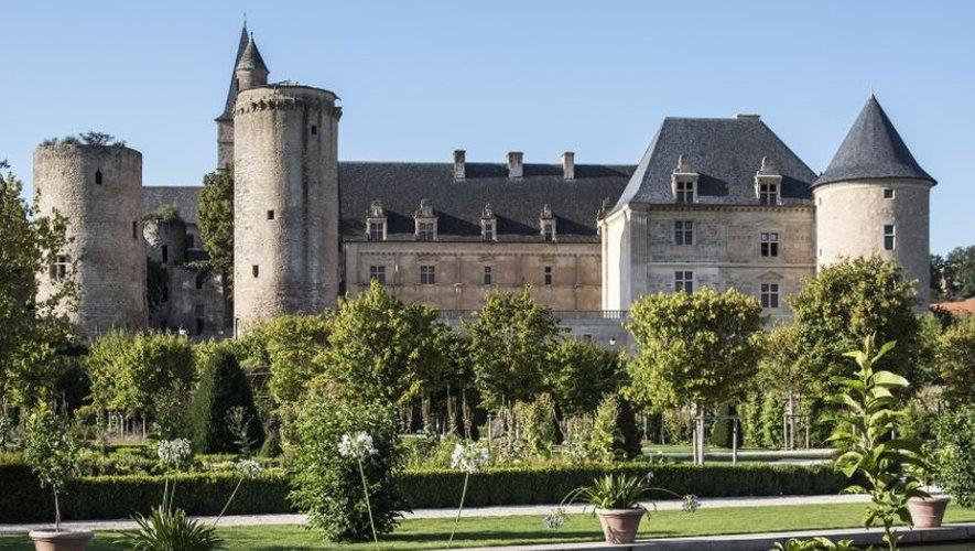 Les jardins du château resteront ouverts au public tous les dimanches après-midi entre 14 heures et 18 heures.