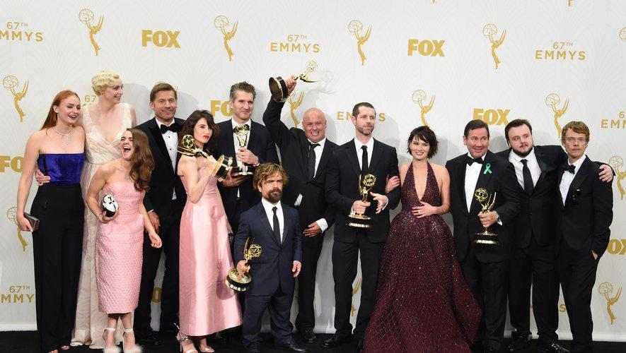 """Dix ans après le début de la diffusion de """"Game of Thrones"""", les raisons du succès inégalé de cette série qui a conquis des légions de fans dans le monde font toujours débat."""
