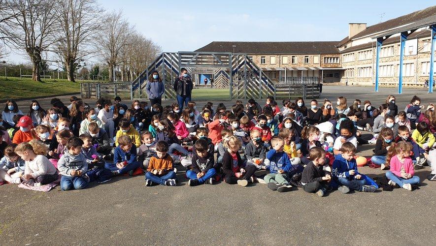 Les élèves de l'ensemble scolaire Jeanne d'Arc- Saint-Martin.