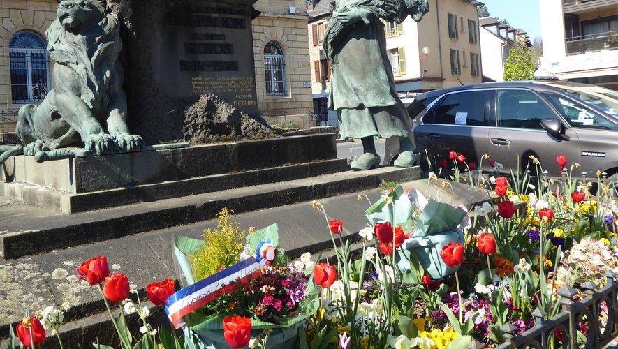 Au cœur de la cité, le monument aux morts rend hommage aux victimes de la guerre