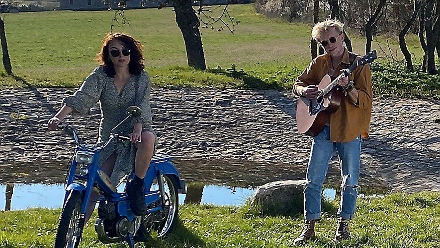 Fiona Petot accompagne Jérémy Cazes sur le clip de Fleur, tourné jeudi et bientôt disponible.
