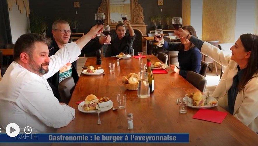 Le burger de Nicolas a réjoui tout le monde... jusqu'à Rodez !