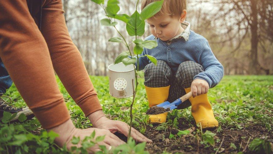 À l'occasion de la Journée mondiale de la Terre, ces parents nous racontent comment leur transition parentale s'est conjuguée à leur transition écologique.
