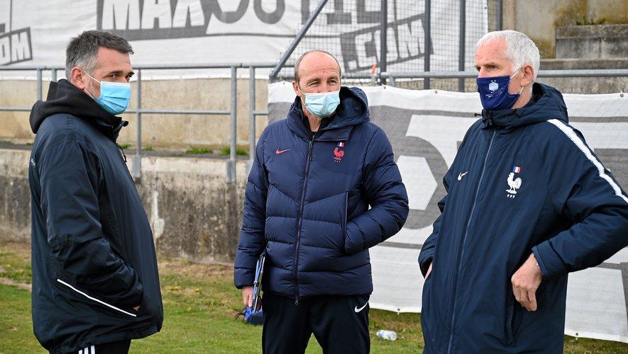 Lionel Rouxel (au centre, avec Willy Sagnol à gauche et Francis Gillot à droite) a insisté sur l'ancrage local, indispensable selon lui pour assurer la pérennité des clubs.