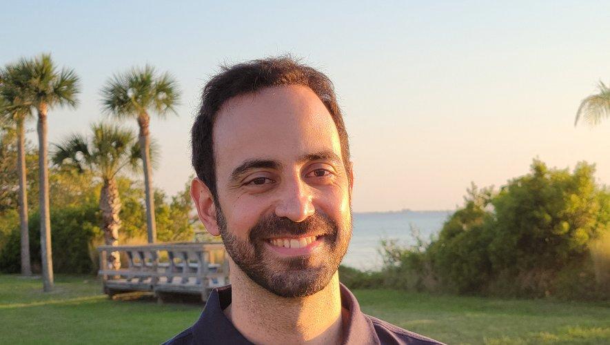 Adrianos Golemis, médecin de vol de l'Agence spatiale européenne, est chargé de veiller sur l'astronaute français Thomas Pesquet durant la mission SpaceX Crew-2