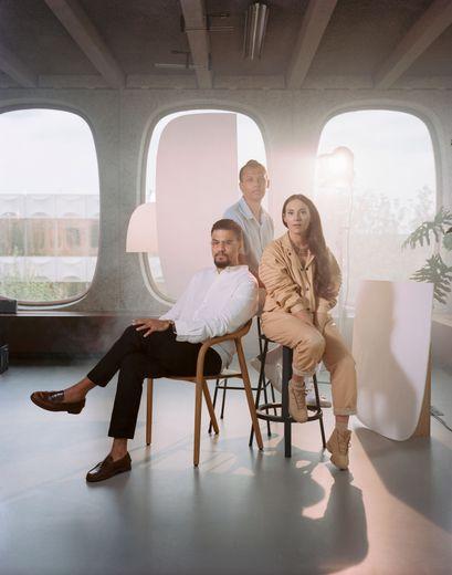 Luc Van Haver, Stromae, et Coralie Barbier, le trio à la tête du label Mosaert.