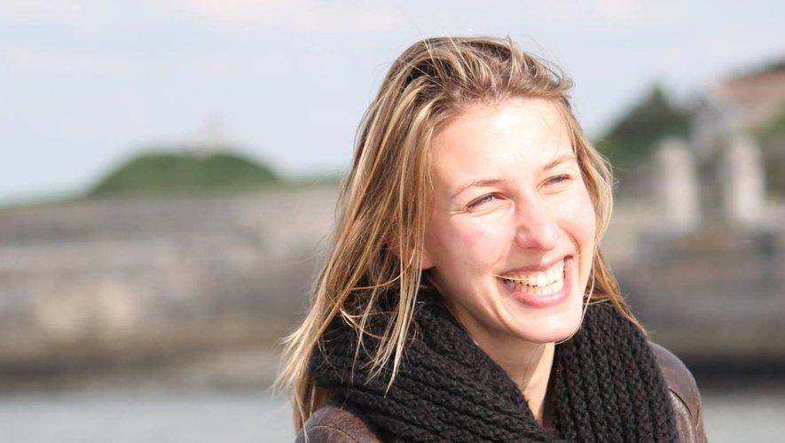 """Emilie Y'a d'la joie, youtubeuse, sort son premier EP """"Mon âme au vent"""" que vous pouvez écoutersur internet"""